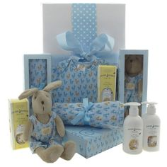 Luxury corporate baby gift hampers #corporatebabygifts #corporatebabyhampers #babygifts