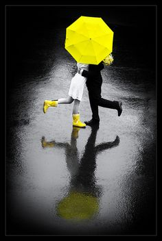 Rain umbrella yellow paraguas amarillo boda wedding