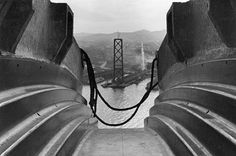 A view of the San Francisco Bay Bridge construction 1935 by Peter Stackpole. Bridge Construction, Factory Design, Photo Black, Bay Area, Picture Show, Life Is Beautiful, Empire State Building, Black And White Photography, Photo Art