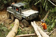 Defender 6x6 off road