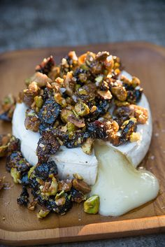 Warm Brie with Fig & Pistachio Tapenade by Erin Gleeson of The Forest Feast… Tapenade, Antipasto, Chutney, Appetizer Recipes, Appetizers, Dessert Recipes, Baked Brie, Snacks, Chefs