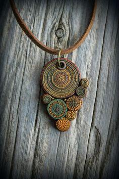 Bohemian argile polymère Déclaration collier pendentif fée mandala terreuse art portable psychédélique hippie gitane bijou