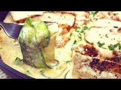 Do lata coraz bliżej, warto podmienić kilka składników diety, by jeść zdrowo i lekko. Dlatego też, koniecznie poznajcie przepis na makaron, który wspaniale smakuje, a jest lekki i sycący! Dodajcie do tego ulubiony sos, delikatnego kurczaka, a pokochacie to danie! Zucchini, Vegetables, Food, Veggies, Vegetable Recipes, Meals, Yemek, Cucumber, Eten