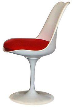 Silla Tulip creada por Eero Saarinen en 1956. Formas orgánicas, simples y expresivas. La quiero para mi vestidor