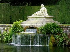 gardens, fountain - chateau-de-courances-Essone, France ~ built in approx. 1630
