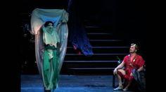 Salome's D è una danza di purificazione dove le danzatrici spogliandosi dei veli si spogliano anche delle negatività dello stato umano ritrovandosi alla fine purificata. I colori dei veli sono:  l'arancio, il blu, il ROSSO, il lilla, il verde, il giallo, e infine l'indaco considerato il bianco della luna.