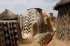 Este es el pueblo africano de Tiébéle, donde cada casa es una obra de arte. (This is the African town of Tiebele where each house is a work of art) via Muy interesante Junior Facebook.