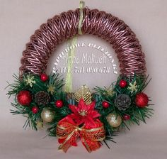 Papierowe plecionki: papierowa wiklina - choinka Shabby Chic Ribbon, Straw Weaving, Newspaper Crafts, Paper Straws, Ikebana, Tartan, Wicker, Christmas Wreaths, Knitting