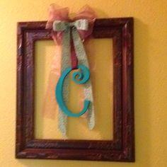 Picture frame wreath (via #spinpicks)