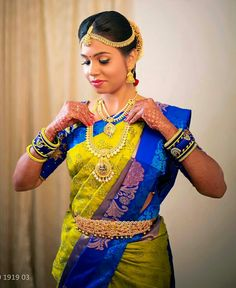 South Indian Bride Saree, Indian Silk Sarees, South Indian Weddings, Bridal Silk Saree, Saree Wedding, Tamil Wedding, Wedding Shoot, Wedding Bride, Vaddanam Designs