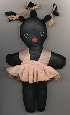 utterly obsessed with this vintage rag doll. might even want to try at recreate one...