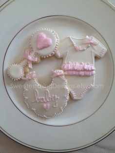 Bib Cookie / Baby Shower Favor by The by SweetestThingDesigns, $36.00