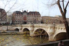 Christmas in Paris. (A. Carman)