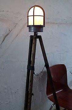 Tripod Stativ Steh Schiffs Kolben Gitter Hof Lampe Bega Industrie Design Loft II
