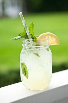 Lemonade + Vodka + mint #yesplease