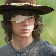 Carlitos sin ojo y con sombrero♥♥