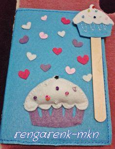 Keçe defter kabı ve kitap ayracı sevgililer gününde hoş bir hediye olmaz mı? ;)