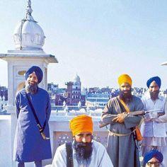 Bhagat Singh Quotes, Operation Blue Star, Guru Nanak Ji, Sikh Quotes, Irish Men, Historical Pictures, Wallpaper Quotes, Religion, Faith