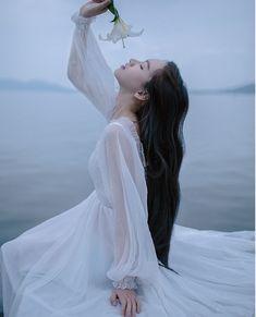 Fairytale Dress, Fairy Dress, Ulzzang Korean Girl, Cute Korean Girl, Princess Aesthetic, Aesthetic Girl, Photography Poses, Fashion Photography, Teenage Girl Photography