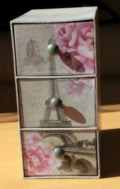 Romantic jewelry box from Maisons du Monde.