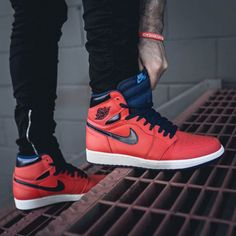 size 40 3a667 41735 Air Jordan 1 Retro OG Light Crimson Foot Pics, Foot Pictures, New
