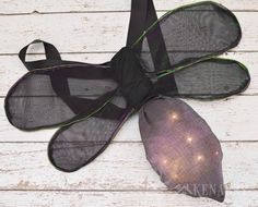This step-by-step sewing tutorial will show you how to make DIY wings for a child's firefly costume for Halloween, dress-up or a theatre play. Sibling Halloween Costumes, Halloween Dress, Baby Costumes, Halloween Kids, Halloween Night, Firefly Costume, Bug Costume, Light Up Costumes, Diy Wings