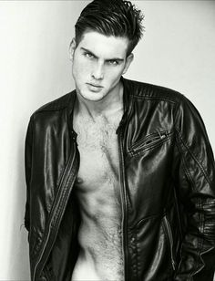 By my friend Leather Men, Leather Jacket, My Friend, Mens Fashion, Photo And Video, Instagram Posts, Jackets, Templates, Zaragoza