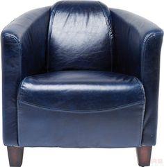 Fauteuil Cigar Lounge - Blauw is een luxe stoel met unieke driehoek vorm en echt lederen bekleding uit de collectie van Kare Design en is nu verkrijgbaar bij Furnies.nl!