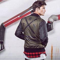 zpr Military Bomber, New Fall/Winter 16-17 in store ✖️🙌🏻💣 #essebifashioncorner #new #collection #italy #style #cool #pretty #italia #fashion #clothes #retail #moda #store #love #winter #shopping #ecommerce #online #swag #milano #firenze #roma #torino  #venezia #parigi #tokyo #newyork #bangkok #gualdotadino #perugia
