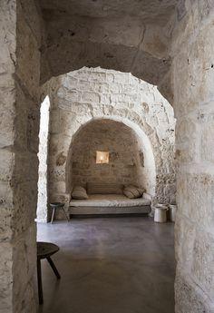 Ristrutturazione e ampliamento di un trullo saraceno, Ostuni, 2011 by Luca Zanaroli Architetto #interiors #stone #architecture #puglia #italy