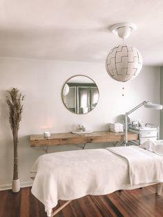 Home Beauty Salon, Beauty Salon Interior, Salon Interior Design, Interior Design Photos, Interior Design Magazine, Small Beauty Salon Ideas, Small Salon, Beauty Salon Design, Beauty Ideas