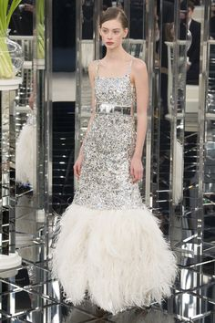 Chanel Spring 2017 Couture Fashion Show - Chanel Dresses - Trending Chanel Dress for sales - Chanel Spring 2017 Couture Collection Photos Vogue Chanel Couture, Fashion 2017, Runway Fashion, Fashion Show, Paris Fashion, Couture Mode, Couture Fashion, Couture Week, Dress Chanel