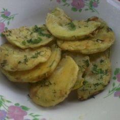 Dovlecei pane cu ou Potato Salad, Potatoes, Vegetables, Ethnic Recipes, Food, Potato, Hoods, Vegetable Recipes, Meals