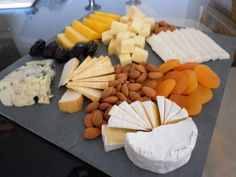 Tabla de queso: https://www.facebook.com/partyfood.chile