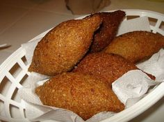 KIPE- Its origins are actually middle eastern, who after migrating to the Dominican Republic brought along this wonderful Dominican food with them and it is now part of our culture. Also known as Kibbe or Kibbeh.For the actual ingredients etc Brown crispy Comida Latina, Dominican Republic Food, My Favorite Food, Favorite Recipes, Caribbean Recipes, Caribbean Food, Latin Food, International Recipes, Love Food