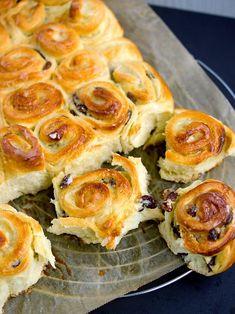 Chinois - francouzský máslový koláč Czech Recipes, Russian Recipes, Ethnic Recipes, Fun Easy Recipes, Easy Meals, Cake Recipes, Dessert Recipes, Desserts, Bread Dough Recipe