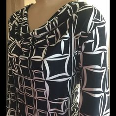 Jones wear blouse, new pics! Blouse is 3/4 sleeved, drape neck, geometric design, stretchy and in perfect shape! It's a size large, looks a bit snug on my size 16 model. Added pics on my smaller model, cinched up a bit in back. Jones wear Tops Blouses
