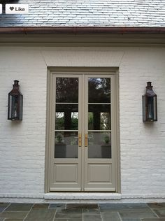 color pallet for cottage exterior :: creamy white stucco walls and Benjamin Moore AC-2 Berkshire Beige door/ trim