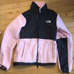 The North Face Denali XS Women's Brand new condition fits like small North Face Jackets & Coats