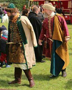 Boriiusik Grosnii and Holger Úlfsson as Noblemen of the Kievan Rus, XI. Viking Tent, Viking Garb, Viking Costume, Medieval Costume, Norse Clothing, Medieval Clothing, Historical Clothing, Vikings, Larp