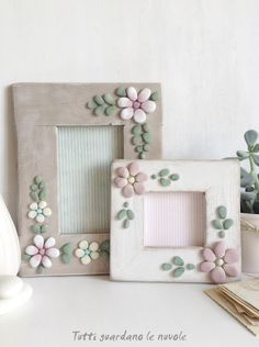 Tutti guardano le nuvole: Decorate with stones Stone Crafts, Rock Crafts, Diy Home Crafts, Crafts To Do, Crafts For Kids, Arts And Crafts, Frame Crafts, Diy Frame, Caillou Roche