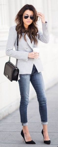 Stunning 61 Classic Spring Outfits for Women To Try https://clothme.net/2018/04/10/61-classic-spring-outfits-for-women-to-try/
