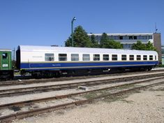 This carriage can operate as part of a train that originates in Hungary in other European countries. European Countries, Hungary, Budapest, Interior And Exterior, Restaurant, Train, Interiors, Dining, Country