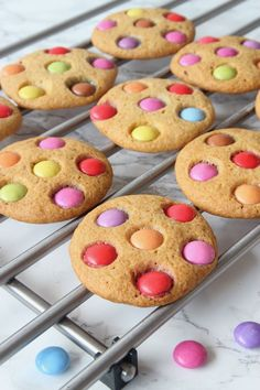 Cookies with sweets Minis, Muffins, Fika, Chocolate Chip Cookies, Gingerbread Cookies, Food And Drink, Favorite Recipes, Sweets, Snacks