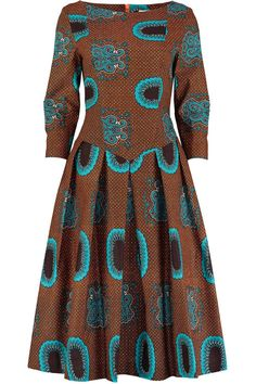 Eponine London is a bespoke fashion brand based in London. Long Ankara Dresses, Ankara Short Gown Styles, African Dresses For Women, African Attire, Short Dresses, African Fashion Ankara, Latest African Fashion Dresses, African Traditional Dresses, Fashion Outfits
