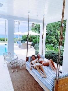 ✔ Cute Photos With Friends At Home Summer Goals, Summer Time, Summer Dog, Sommer Pool Party, Summer Aesthetic, Summer Pictures, House Goals, My New Room, Porch Swing