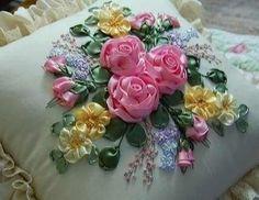 """Ideas para el hogar: Plantilla de bordado con cintas """"Almohadón de flores"""""""