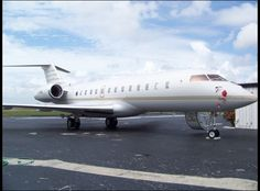 2011 Bombardier Global 5000 for sale in the United States => http://www.airplanemart.com/aircraft-for-sale/Business-Corporate-Jet/2011-Bombardier-Global-5000/9724/