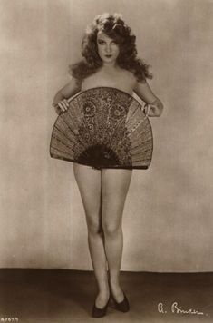 Pulp International - Promo shot of French actress Lili Damita