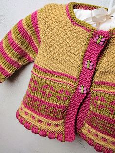 Ravelry: Baby Garden Cardi pattern by Hélène Rush